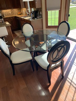 Kitchen table and chairs for Sale in Columbia Station, OH