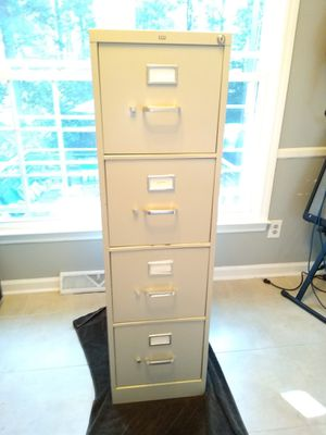 4 drawer filing cabinet for Sale in Taylors, SC