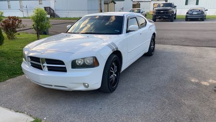 2010 dodge charger sxt for Sale in Gallatin, TN