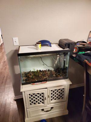 20 gallon fish tank for Sale in Riverside, CA