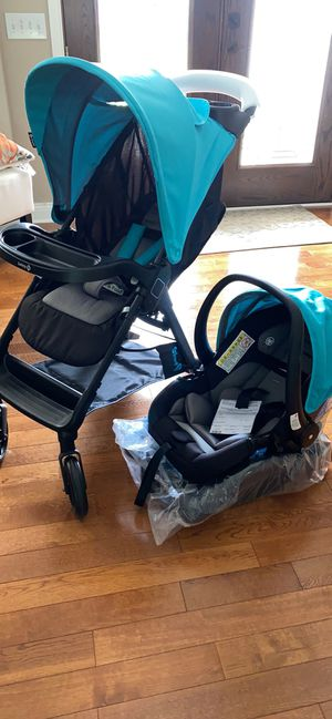Safety First Smooth Ride System car seat stroller combo for Sale in Mason, OH