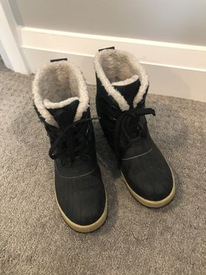 Winter boots snow ice warm size 8.5 for Sale in Arlington, VA