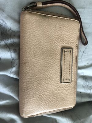 Marc by Marc Jacobs light pink wallet for Sale in Las Vegas, NV