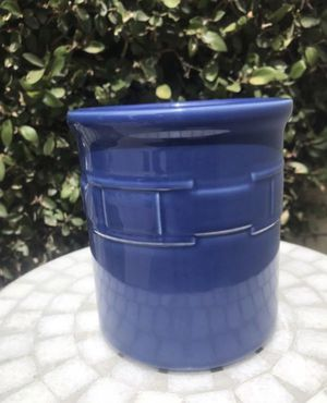 Longaberger Pottery Cornflower Blue Woven Traditions Utensil Crock/ Holder/ Kitchen Container/ House Storage for Sale in HUNTINGTN BCH, CA