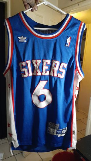 Julius Erving (Dr. J) Sixers Jersey for Sale in Phoenix, AZ