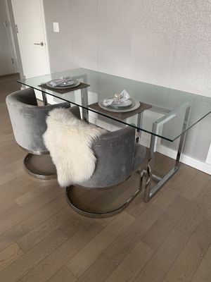 LUXURY DINING ROOM TABLE & CHAIRS for Sale in Queens, NY