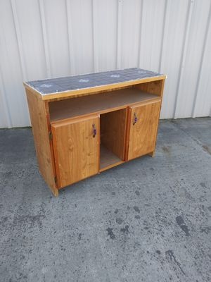 Kitchen table...H 34...W 46..D 17 for Sale in Modesto, CA