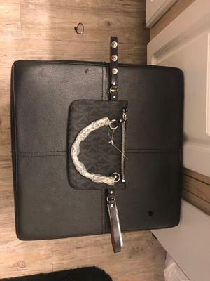 Michael Kors waist bag for Sale in Las Vegas, NV