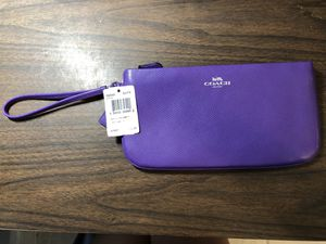 COACH Wristlet/Pouch Purse (Purple) for Sale in Orlando, FL