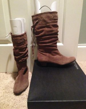 Madison Carrie suede boots in taupe size 8 nib. Fits almost any calf. never worn. for Sale in Arlington, VA