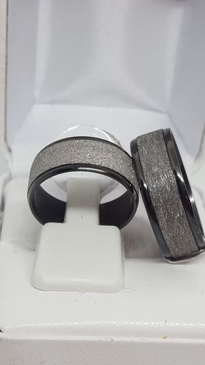Brand new. Sizes 7 through 12 available. Never tarnish wedding rings. Solid 316l stainless steel. for Sale in St. Louis, MO
