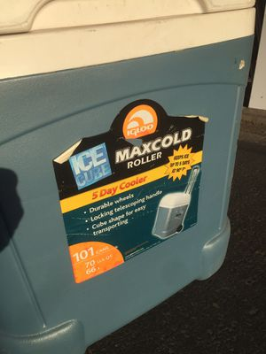 Igloo Maxcold 70 qt. Rolling cooler $45 Obo. for Sale in Turlock, CA