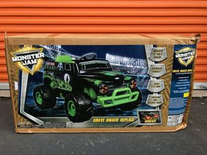 Monster Jam 12V Grave Digger Ride On Toy Car for Sale in Garden Grove, CA