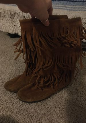 Minnetonka real suede fringe boots for Sale in Fort Myers, FL