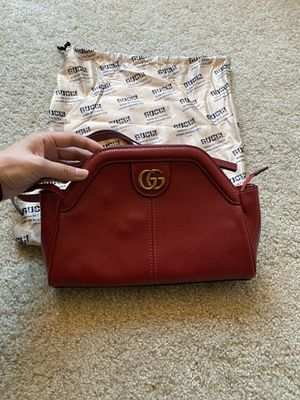 Gucci crossbody bag for Sale in San Francisco, CA