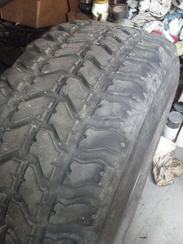 Goodyear wrangler MT 33 X 12.5 -15 tires, good tread