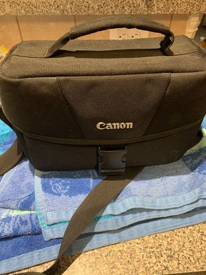 Canon EOS Rebel T5i EF-S 18-135IS STM Camera Kit W/ Case and extra zoom 75-300 lens for Sale in Houston, TX