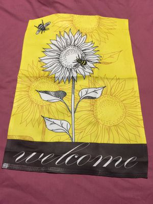 New Garden Flag In Package $1.00 A Great Buy! for Sale in Kent, WA