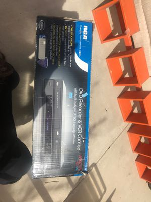 DVD recorder and VCR combo for Sale in Norco, CA