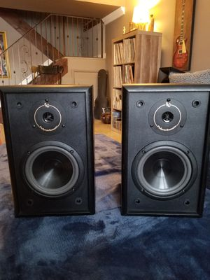 2 STUDIO MONITORS (passive no power)* 6.5 HIGH DETAIL * for Sale in Hialeah, FL