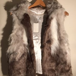 New With Tags Faux Fur Vest for Sale in Lynnwood, WA