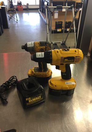 Dewalt drill set for Sale in West Dundee, IL