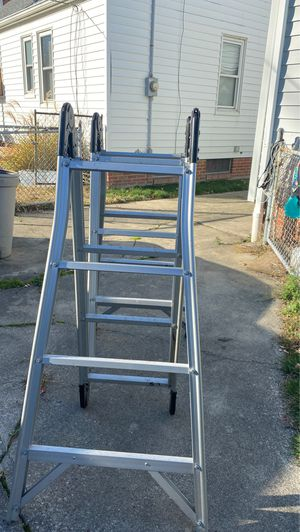 16 ft ladder that locks for Sale in Cleveland, OH