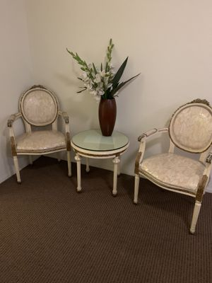 Antique Set Two accent chairs and a side table for Sale in Los Angeles, CA
