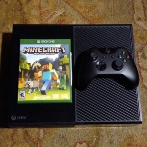 Xbox One Console & Controller + Minecraft for Sale in Allen, TX