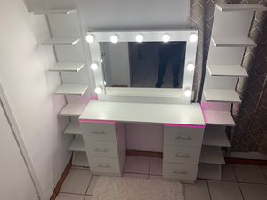 Makeup Vanity for Sale in San Diego, CA