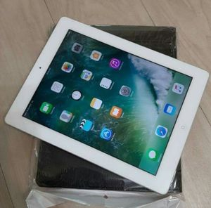 Apple iPad 2, 32GB -Wi-Fi + Cellular UNLOCKED Any Carrier Any Country Excellent Condition for Sale in Springfield, VA
