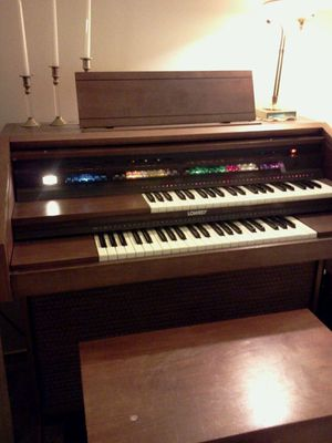 Lowery Pageant Organ for Sale in Tacoma, WA