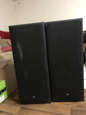 Mitsubishi M-s4200 Speaker System with Insignia Stereo Receiver for Sale in Seattle, WA
