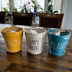 """Rae Dunn """" Grow, Happy Spring, Plant """" Flower Pots Set Of 3 for Sale in Lebanon,  ME"""