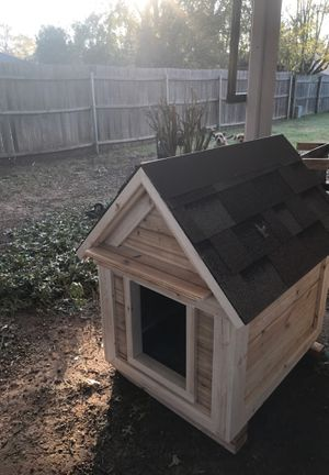 Dog house and cages for sale for Sale in Yukon, OK