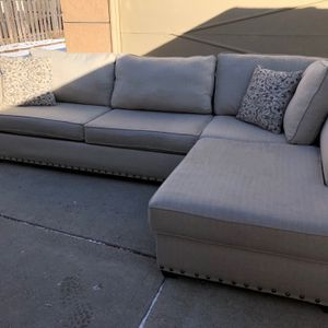 FREE DELIVERY Sectional Couch for Sale in Park Ridge, IL