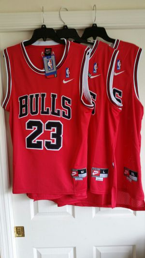 JORDAN CLASSIC RED BULLS THROWBACK JERSEY M L OR XL for Sale in Fort Lauderdale, FL