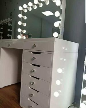 MAKEUP VANITY TABLE WITH BLUETOOTH MIRROR AND DIMMABLE LIGHTS FINANCING AVAILABLE for Sale in Chino, CA