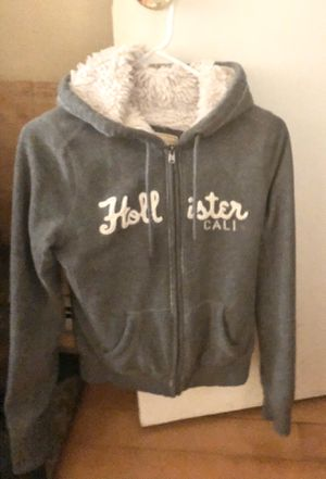 HOLLISTER gray & white zip up hoodie w/ sagg fur in lining. Kids sz small for Sale in Philadelphia, PA