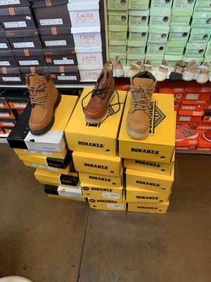 Men work boots $45 leather for Sale in North Las Vegas, NV