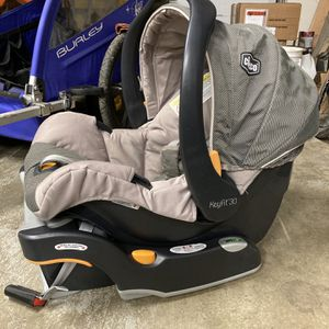 Chicco Keyfit 30 Infant Car Seat/base for Sale in Portland, OR