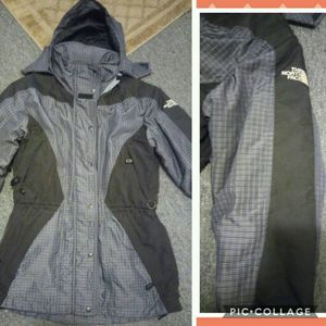 The north face women jacket for Sale in Rockville, MD
