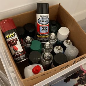 Free Box Of Spray Paint And More for Sale in Fort Lauderdale, FL
