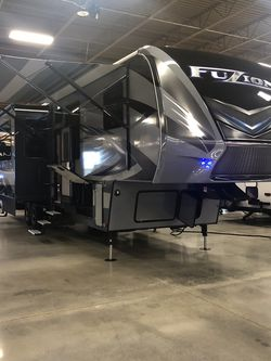 Keystone Fuzion 371 Toy Hauler for Sale in Spring,  TX