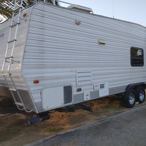 2003 ShockWave by Baja - 24 Foot Travel Trailer for Sale in Canyon Lake, CA