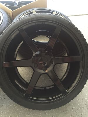 Stance wheel sc6 and new tires for Sale in Las Vegas, NV