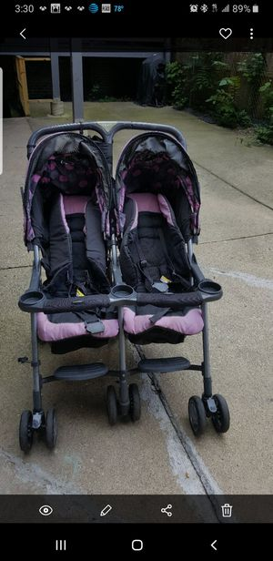 Combi Double Stroller for Sale in Chicago, IL