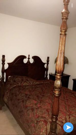 Bedroom set , bed, dresser , chest drawers , nightstand for Sale in Aspen Hill, MD