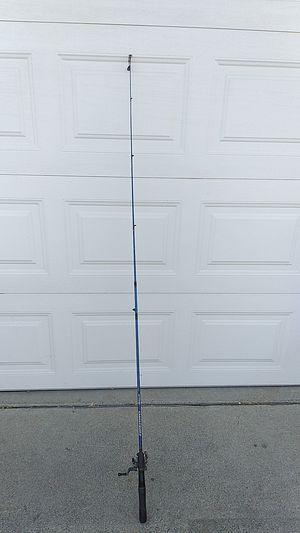 Shakespeare rod Zebco reel fishing pole $25 Fontana for Sale in Fontana, CA