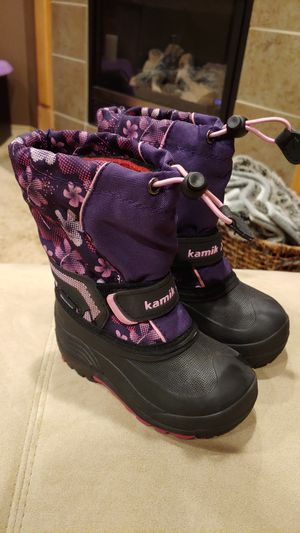 Kamik kids insulated waterproof snow boots size 9 for Sale in Maple Valley, WA